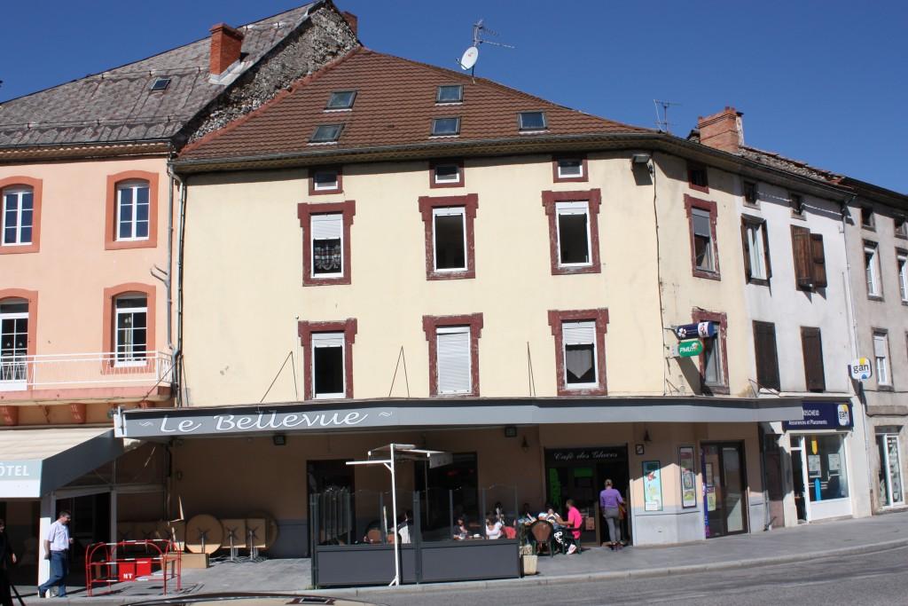 Photo de la devanture de l'établissement Le Bellevue à Tarascon-sur-Ariège